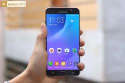 Danh-gia-man-hinh-Samsung-Galaxy-J7-2016-xach-tay-001