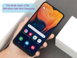 cham-2-lan-mo-man-hinh-samsung-300x225