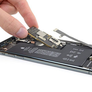 thay-main-iphone-11